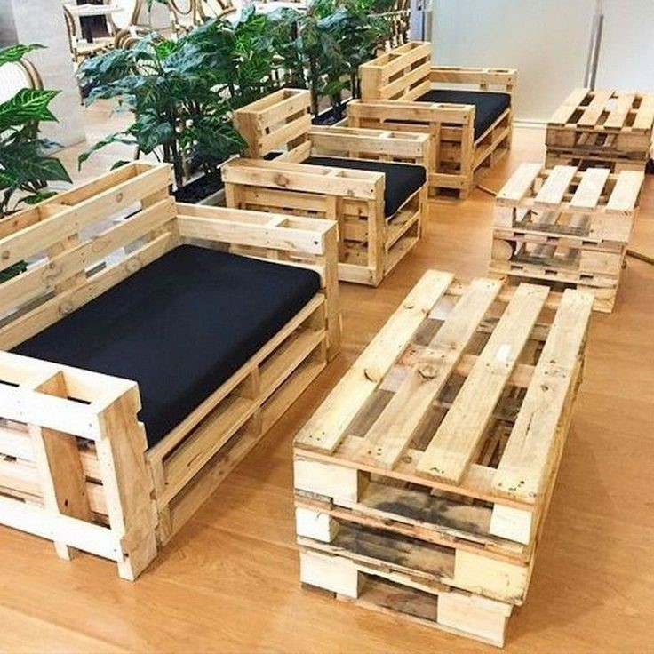 Practical tables made of wooden pallets